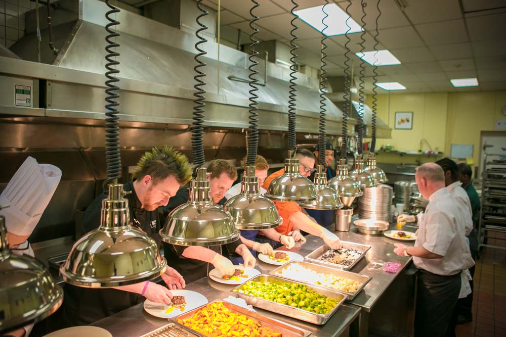 2016-dpl-chefs-in-kitchen